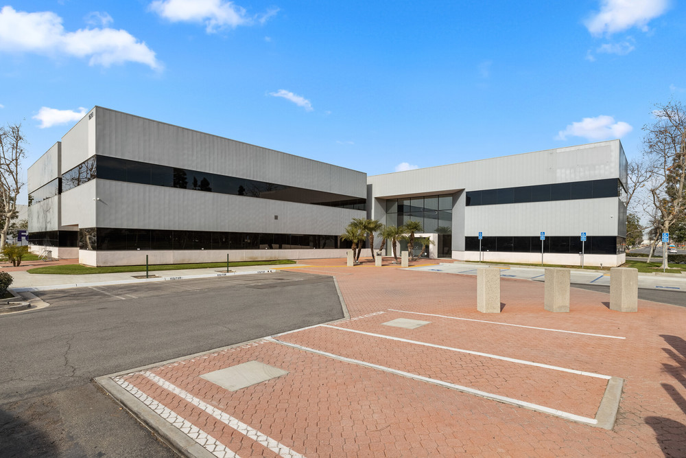 Office Space For Lease | Premier Location | Sunflower Corporate Center