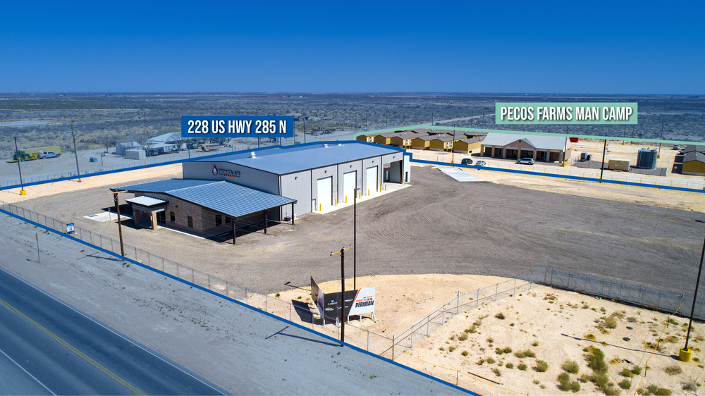 Office/Warehouse with 3 Drive-Through Bays + Wash-Bay