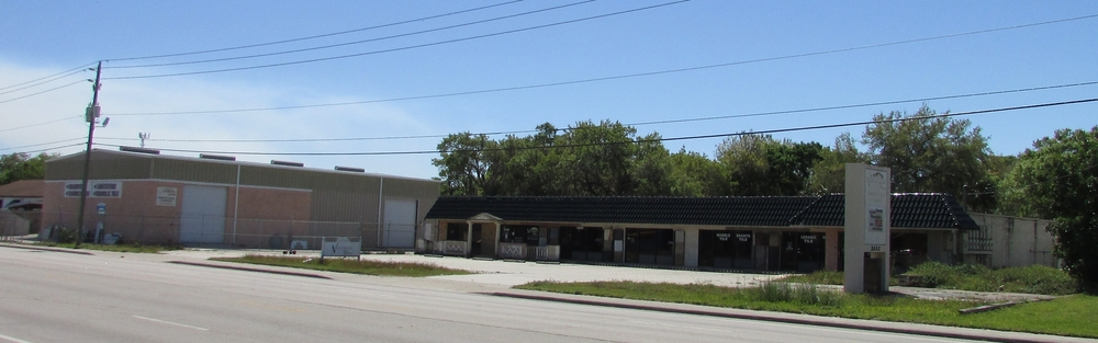 2332 17th St., Sarasota, FL 34237