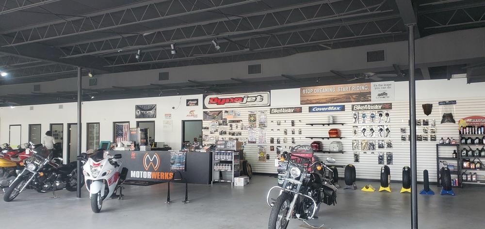 Showroom and Warehouse on 520
