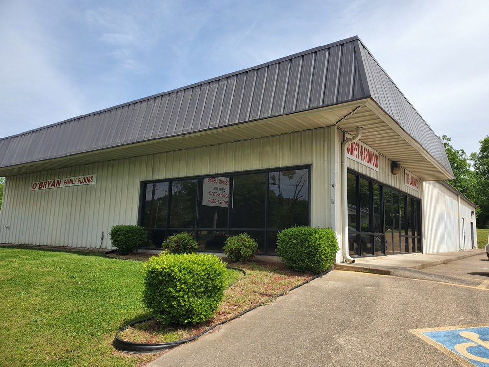 Hot Springs National Park, AR Commercial Building with Warehouse & Showroom