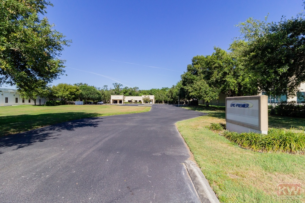 Parkway Corporate Center Office
