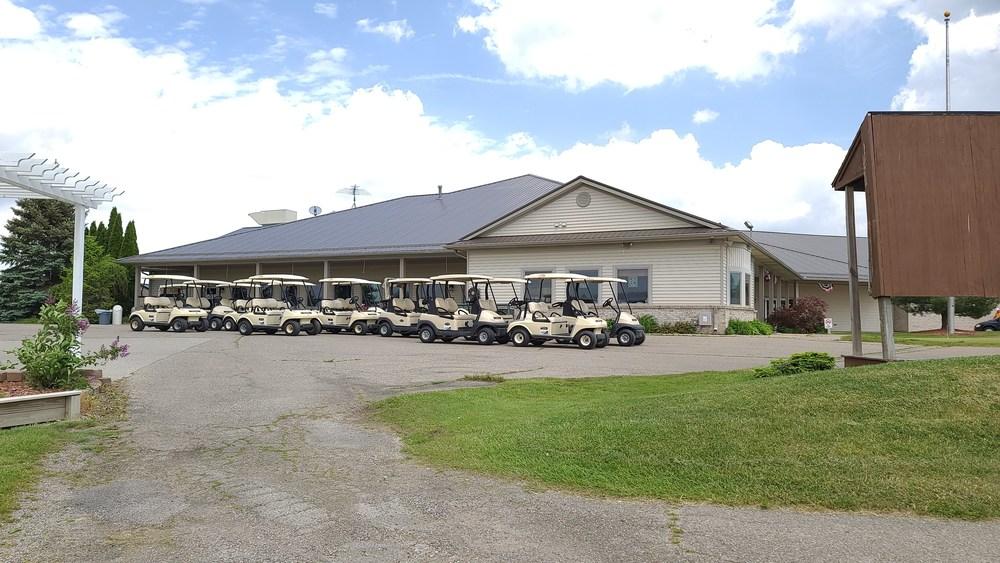 Holly Meadows Golf Course & Banquet Center
