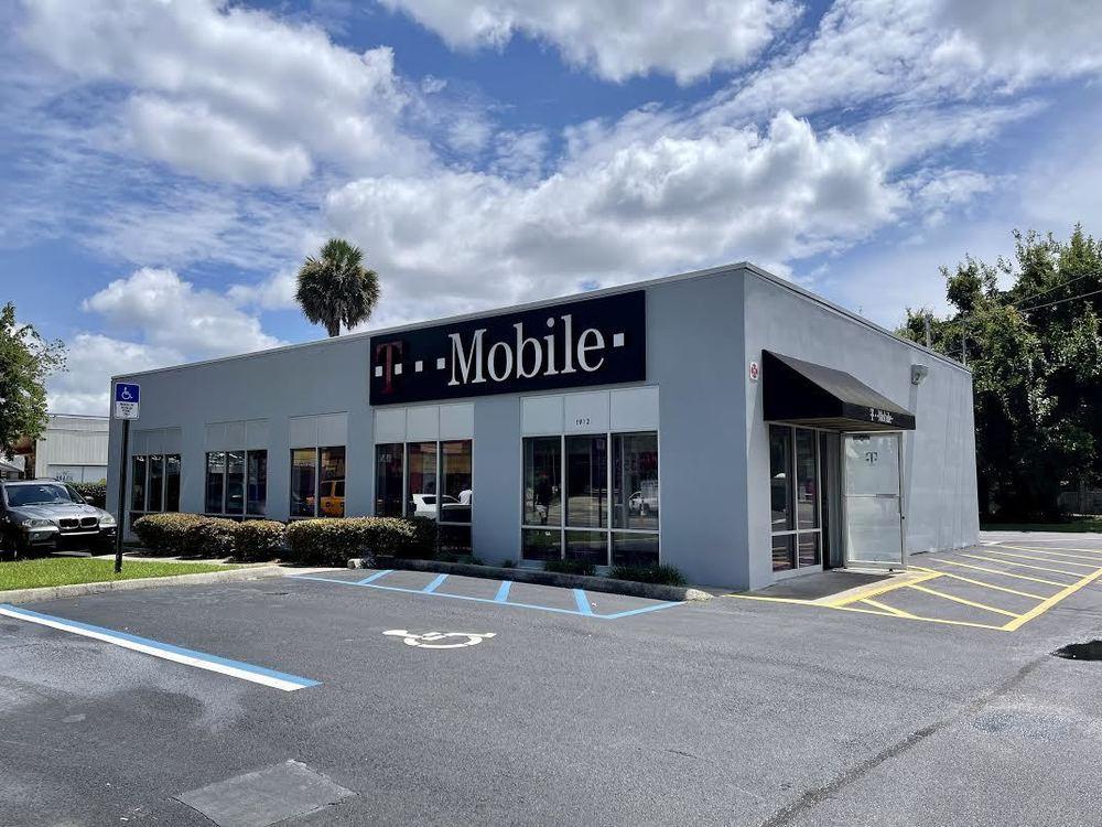 Retail/ Restaurant Freestanding Building