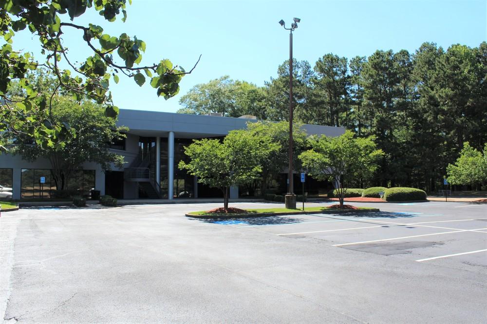 Twin Lakes Office Park   The Atrium Building