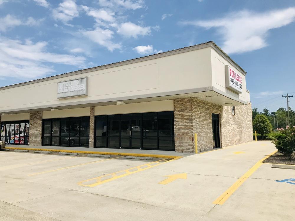 Richardson Square Mall Retail/Warehouse Flex Space
