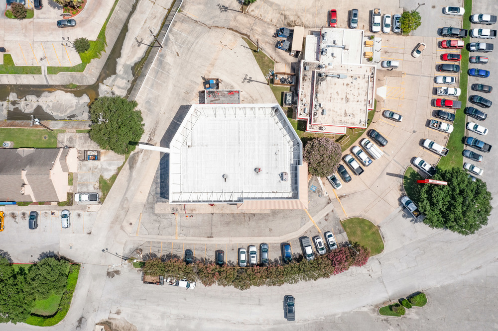 7,000 SF Retail Space with Freeway Frontage and Hard Corner Access<br/><div>7954 N Interstate 35</div><div>San Antonio, TX 78218</div>