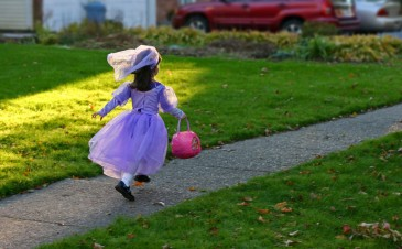 Safe trick-or-treating tips