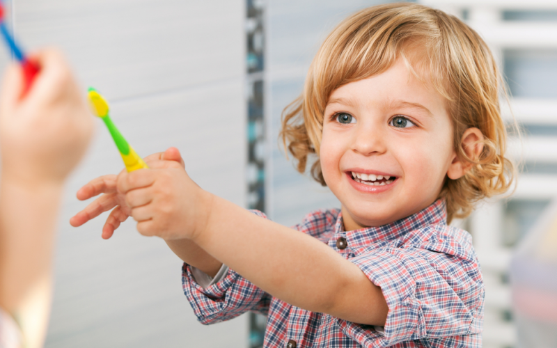 Developmental milestones: red flags for 20-24 months old