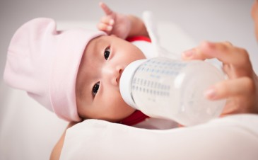 How to get started with formula feeding