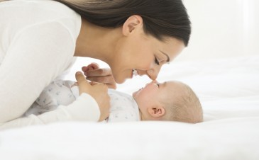 5 ways to bond with your baby (and why it's good for everyone)