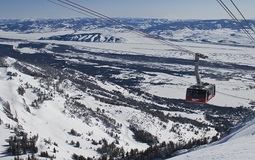 20160224200710-jackson-hole-skiing-holidays-in-jackson-hole-ski-resort-usa-1.jpg