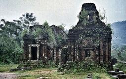20190812174833-jungle-temple-ruin-vietnam-by-pandahat.jpg