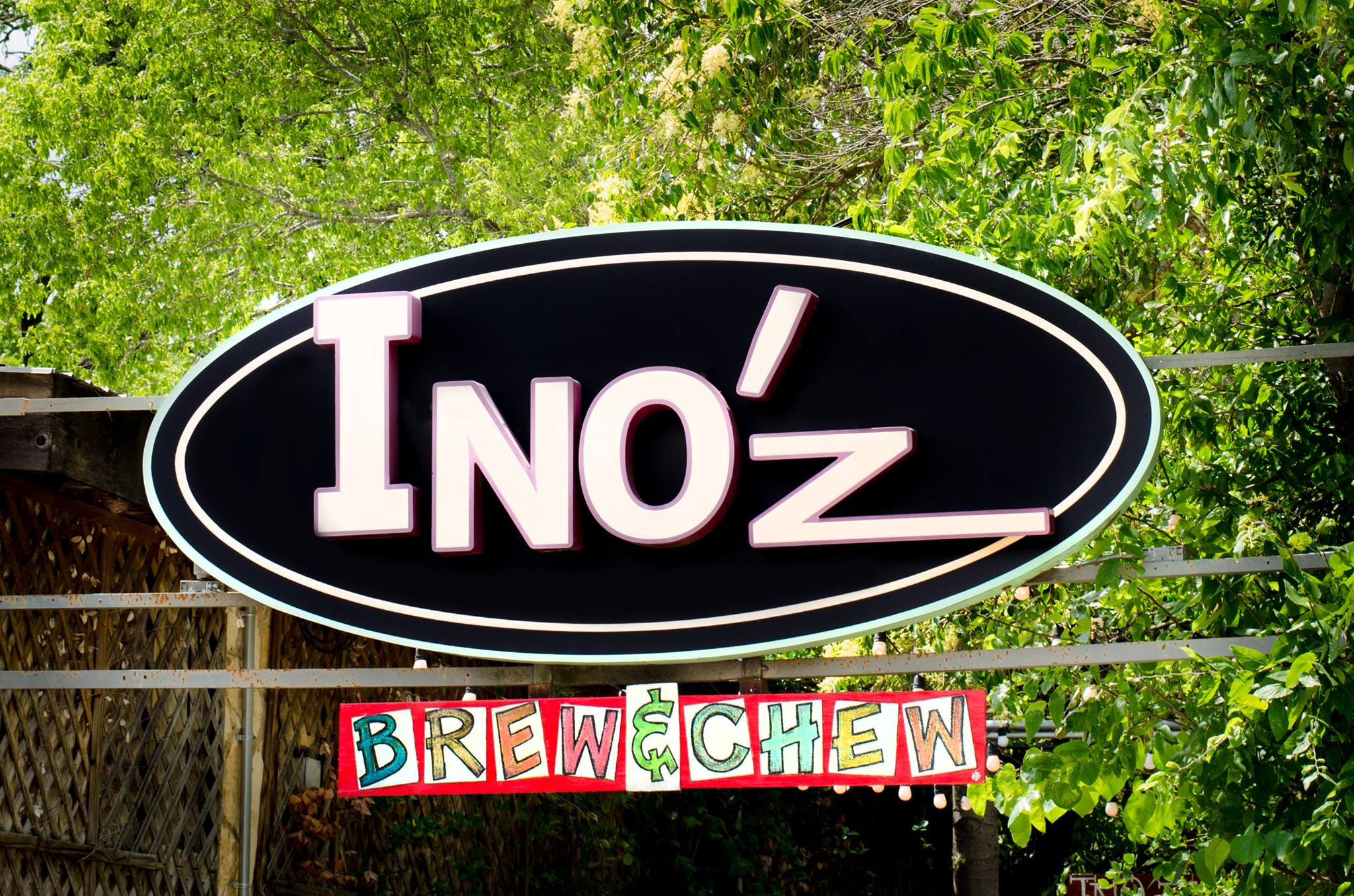 Visit Ino'z by renting a charter bus.