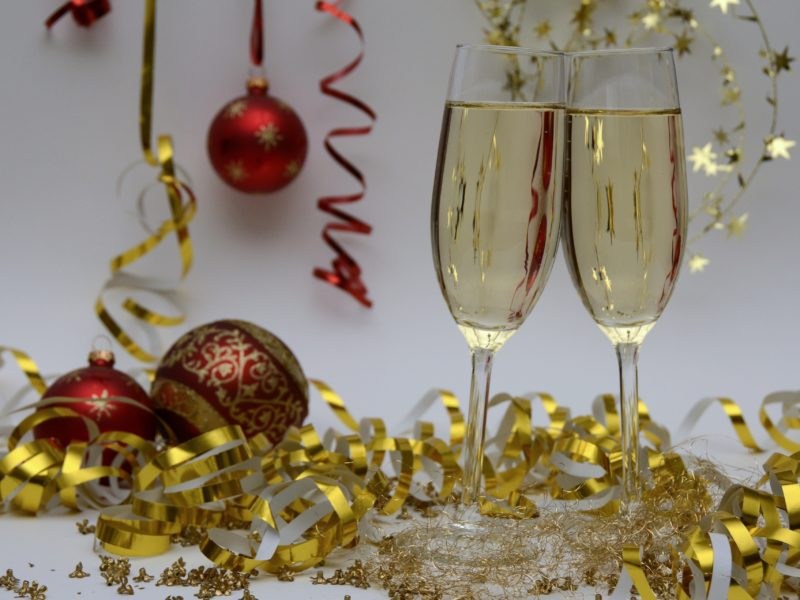 Your Guide to Planning your Office's Holiday Party