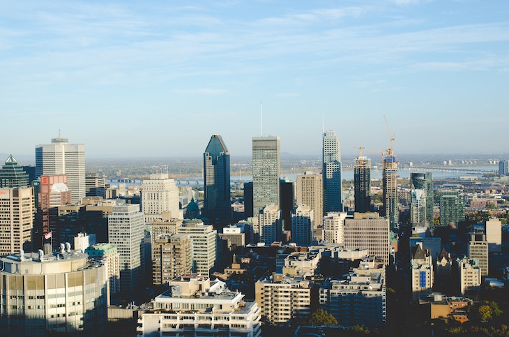 Rent a charter bus for your student Montreal university campus tour.