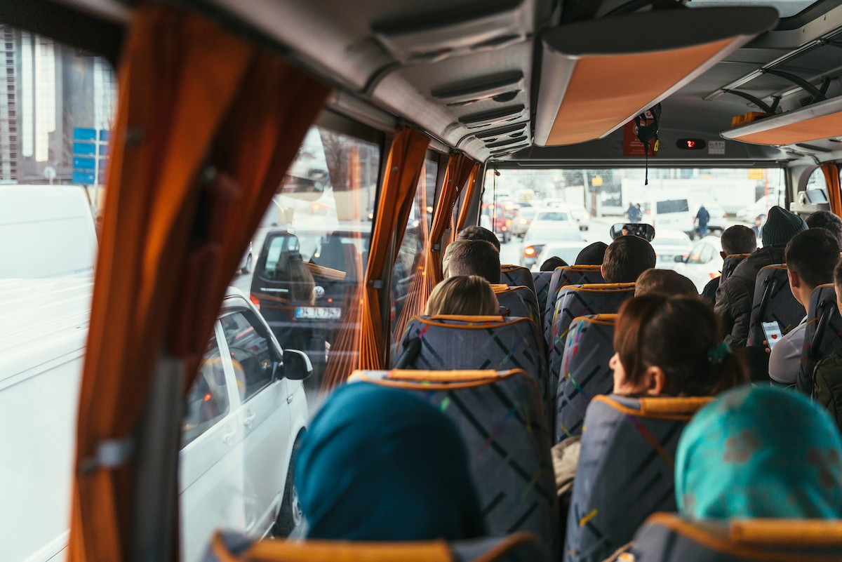 Charter Bus Rental vs. Rideshare: What's the Difference?