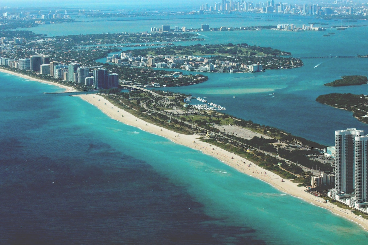 Miami Guide to Airport Bus Rentals