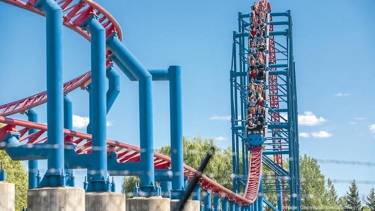 Rent a NYC charter bus to Six Flags Darien Lake.
