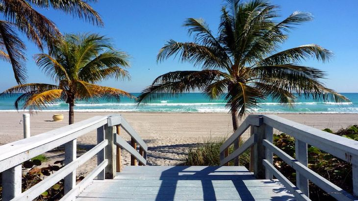 Miami charter bus rentals to Hollywood Beach.