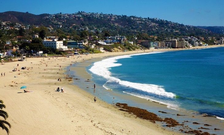 Los Angeles charter bus rentals to Main Beach, Laguna Beach.