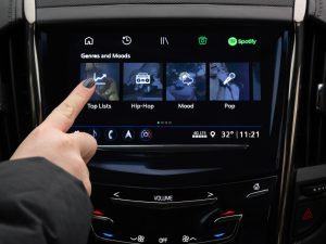 Ya podrás descargar Spotify en autos de General Motors – y es la mejor noticia para armar el carpool karaoke