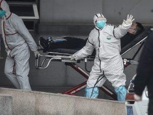 China advierte que el coronavirus está mutando y podría expandir la enfermedad