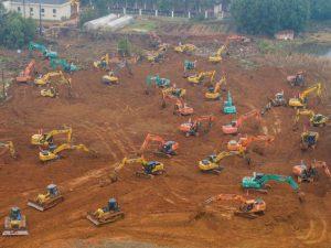 La ciudad china de Wuhan se apresura a construir un hospital en solo 6 días para tratar a los pacientes con coronavirus