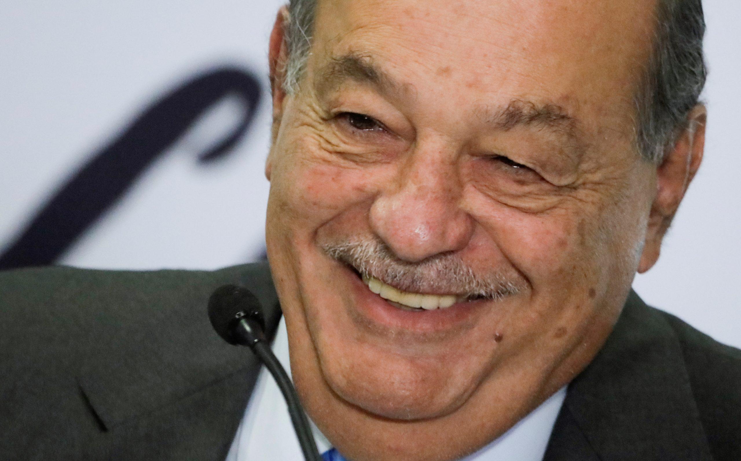 Carlos Slim lanza oferta pública