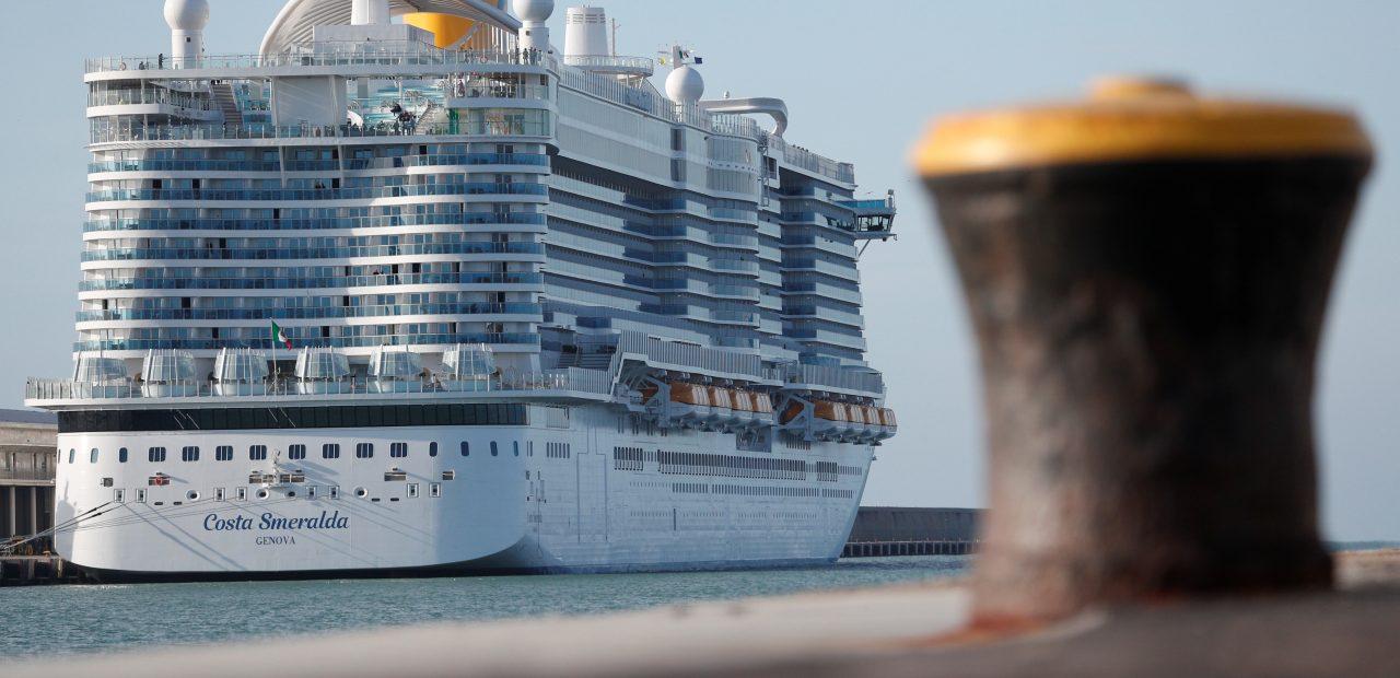Pasajeros atrapados en crucero en Italia después de sospecha de coronavirus.