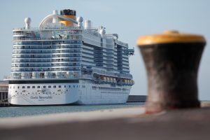 Más de 6,000 personas están atrapadas en un crucero en Italia, sospechan que un pasajero contrajo coronavirus