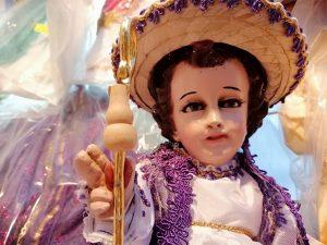 La economía y el cambio generacional están acabando con la tradición de vestir al Niño Dios en México
