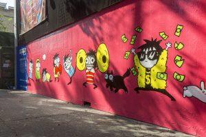 Con graffiti 'pisan' mural de Sarah Andersen en la Ciudad de México, no dura ni una semana