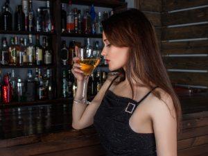 ¿Cuántas calorías hay en la cerveza, tequila, mezcal, vodka o whisky que consumes?