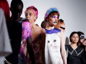 Las medidas contra el coronavirus protagonizan la Semana de la Moda de Londres 2020