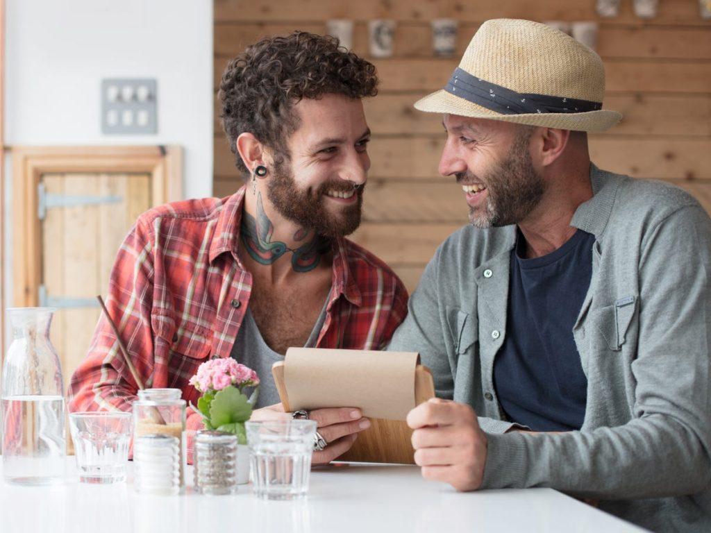 retrasar la felicidad es un problema para las parejas