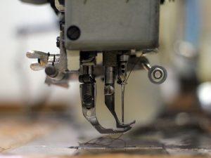6 de cada 10 empleados en fábricas de ropa son mujeres y están perdiendo su trabajo
