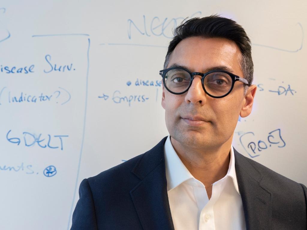 Kamran Khan, fundador de BlueDot, empresa de Canadá