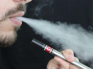 Por decreto de AMLO, a partir de este jueves queda prohibido importar cigarros electrónicos a México
