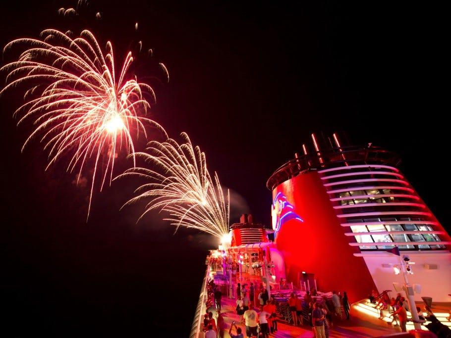 fuegos artificiales cruceros disney