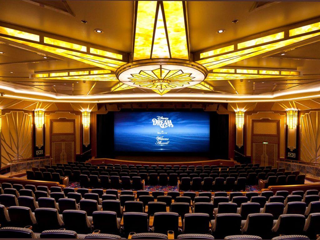 cine sala películas estrenos cruceros de disney