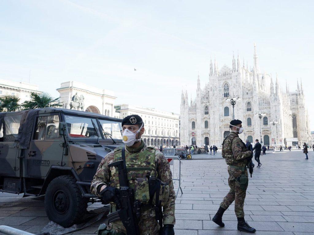 catedral de milan italia soldados coronavirus