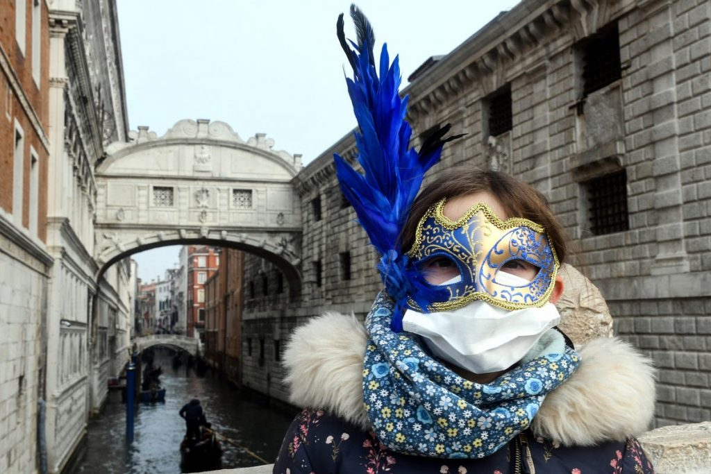 cubre bocas carnaval de venecia máscara coronavirus