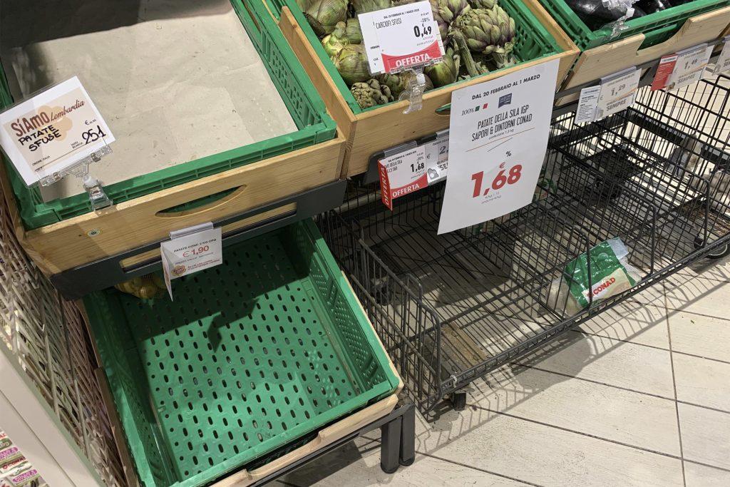 supermercado vacío milán coronavirus