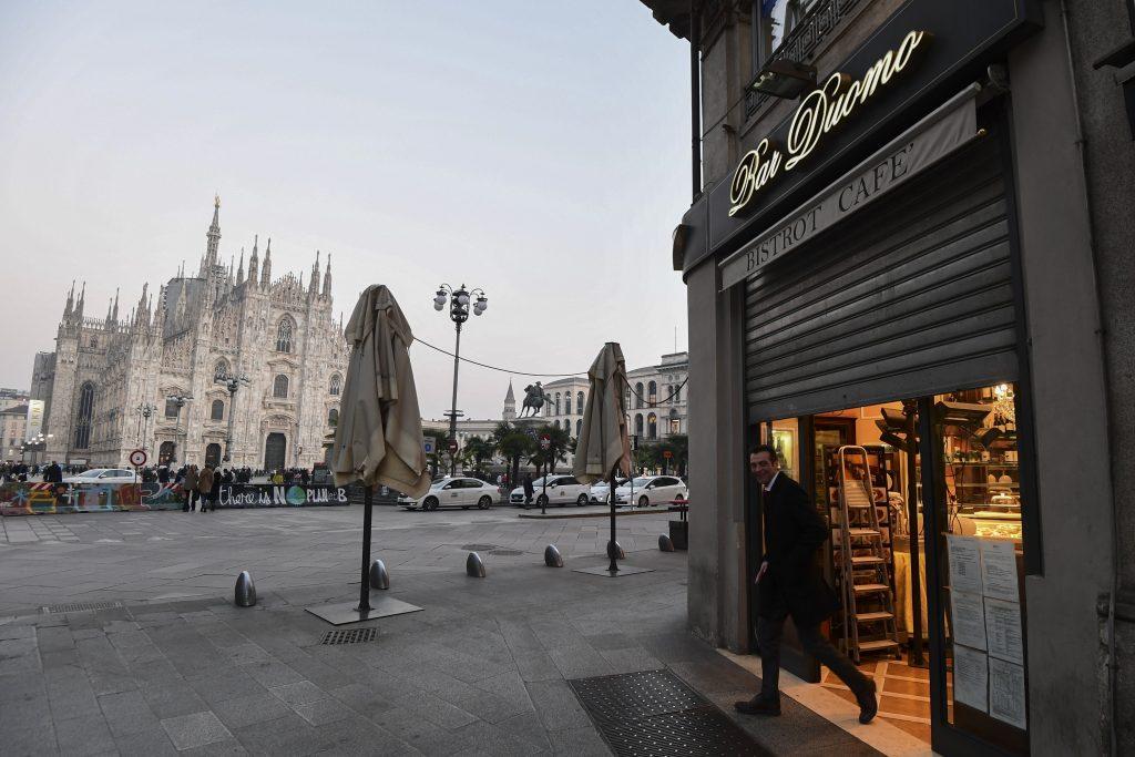 catedral de milan cafes bares vacios coronavirus
