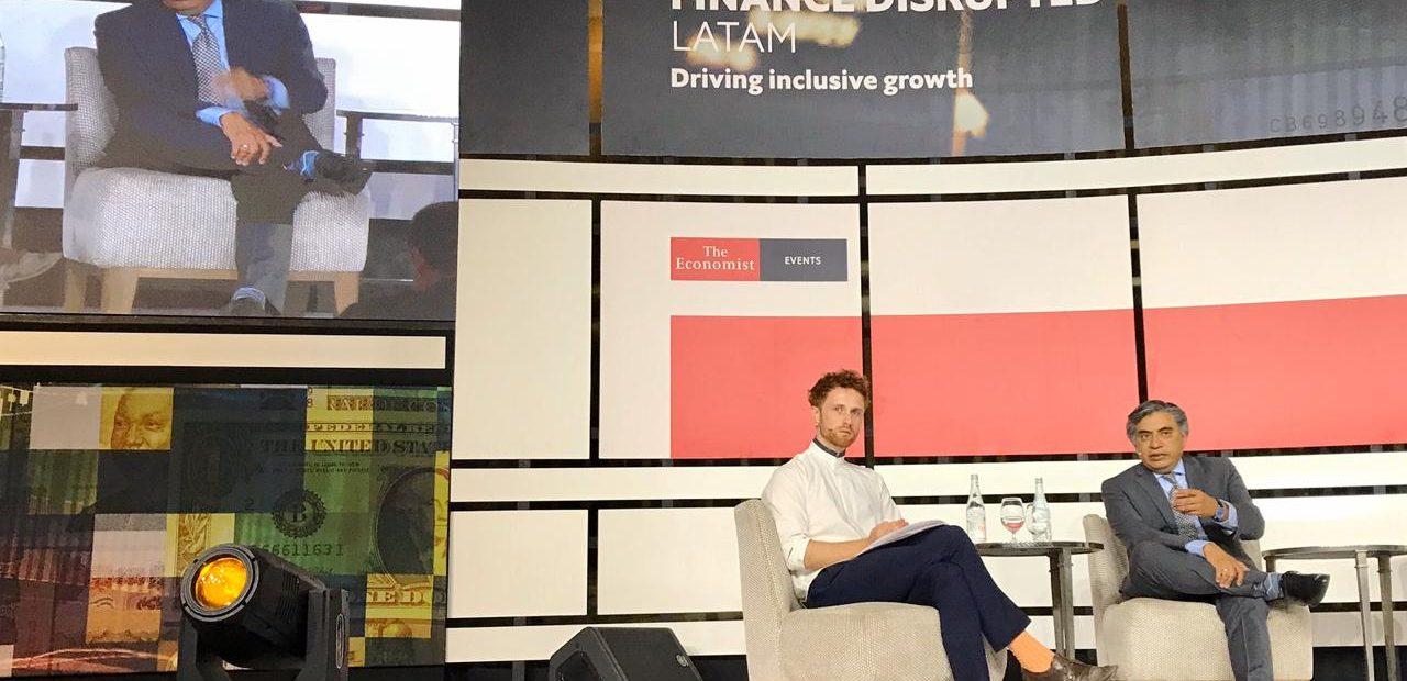 Gerardo Esquivel Hernández en su participación en el primer Finance Disrupted LATAM organizado por The Economist.