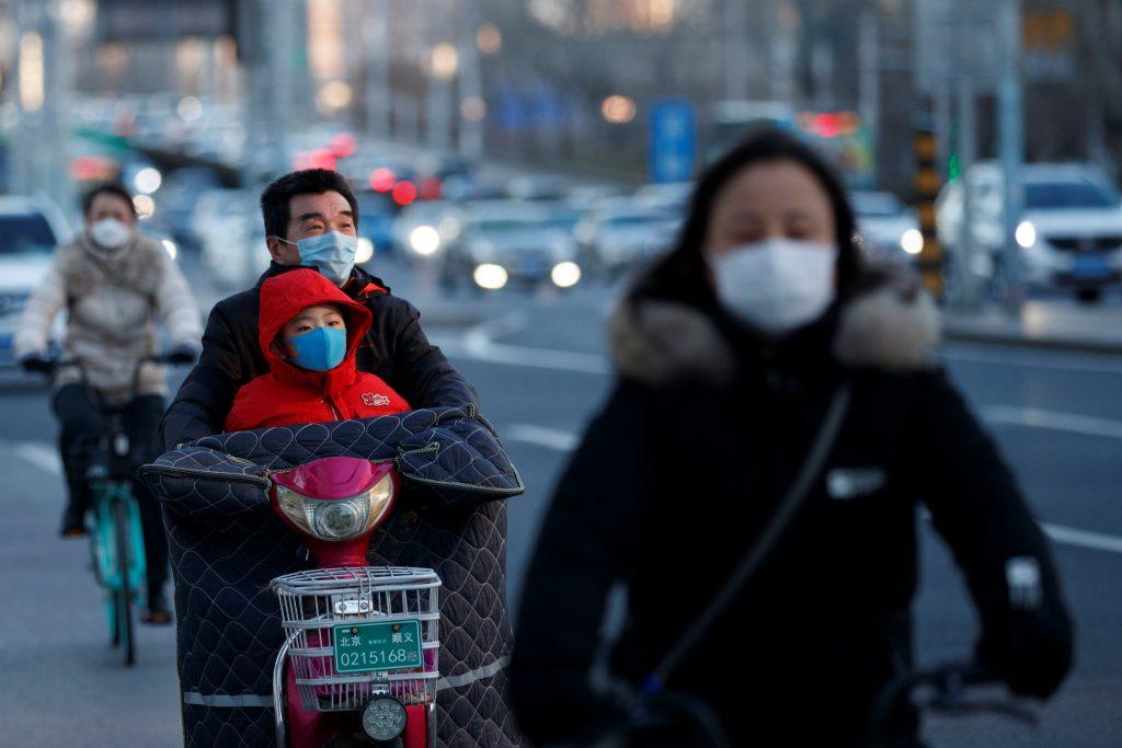 cubrebocas personas brote coronavirus pekin china