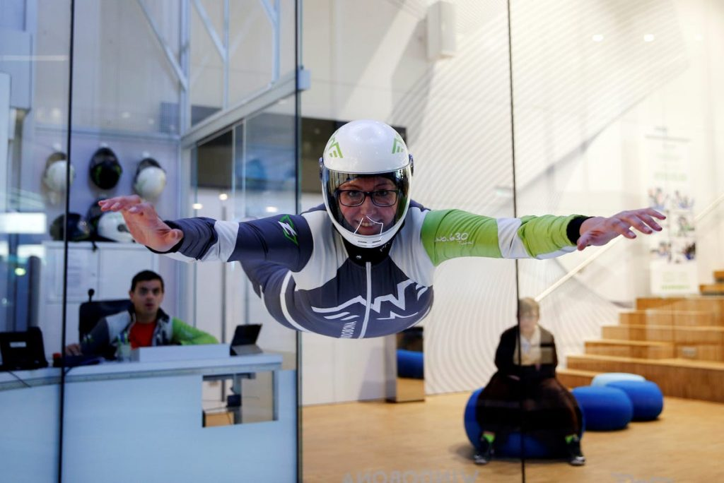 españa mujer paracaidismo instructora madrid