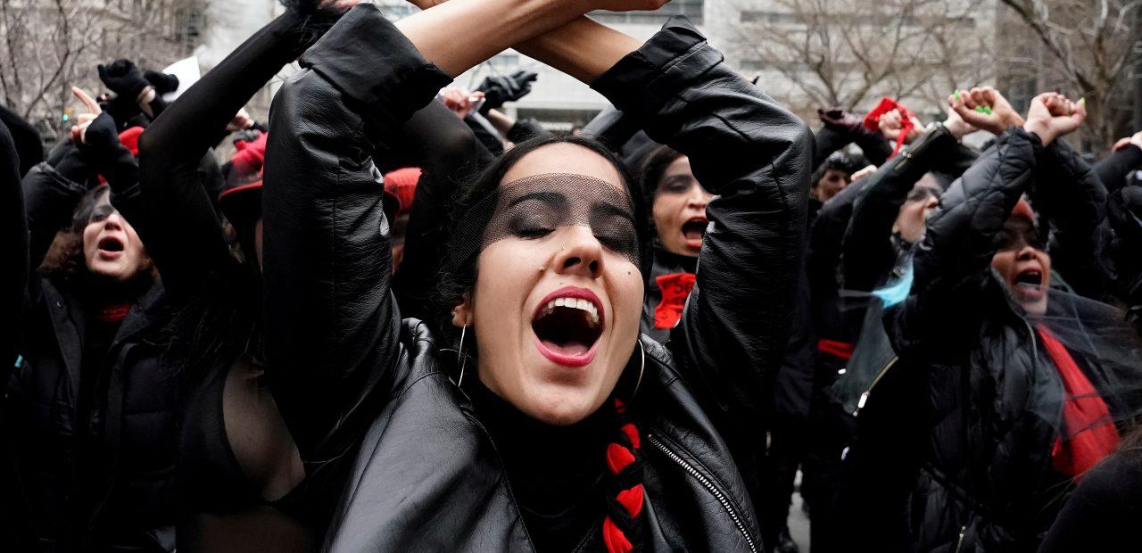 mujeres estados unidos protesta harvey
