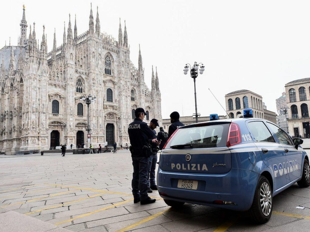 Catedral de Milán policía cuarentena coronavirus